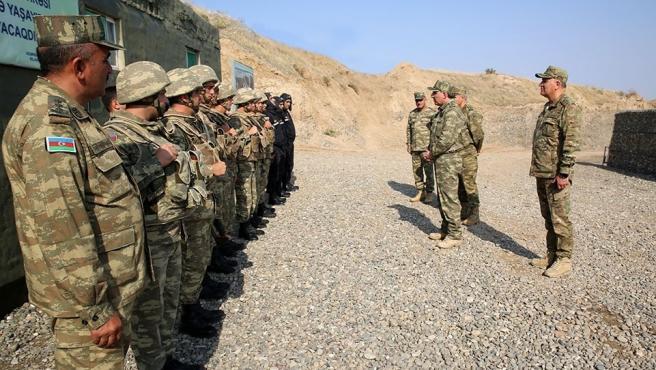 Corr.- Armenia/Azerbaiyán.- Azerbaiyán dice que ha destruido unos 200 carros de