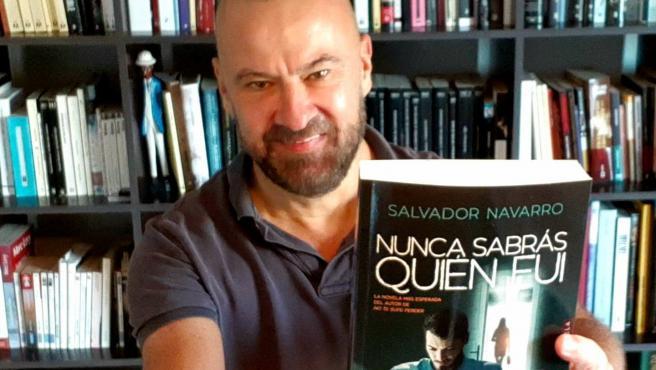 Salvador Navarro, Con Su Nuevo Libro 'Nunca Sabrás Quien Fui'