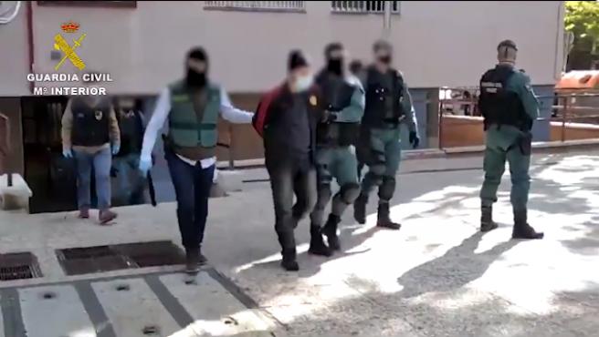 Captura del momento de la detención del yihadista en Madrid.