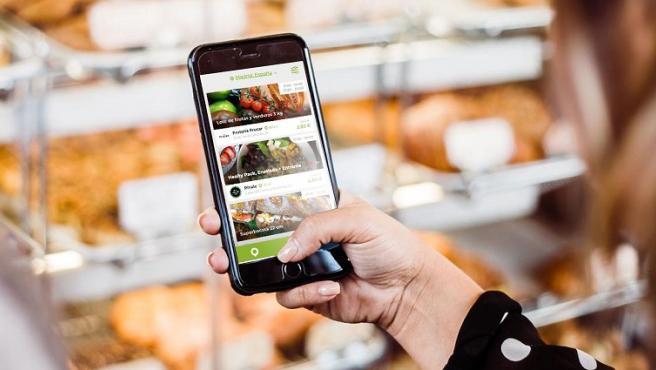 La app da una segunda oportunidad a los excedentes de los comercios para que no se desperdicien.