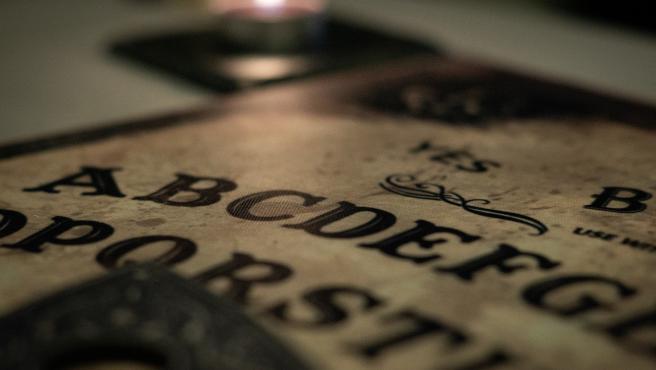 Imagen de archivo de una 'ouija'.