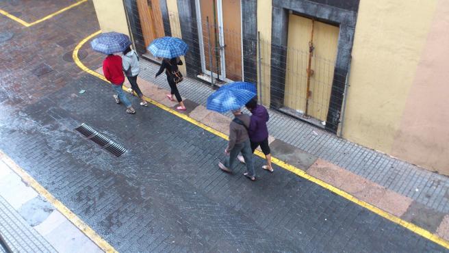 Lluvia, frío, paragüas