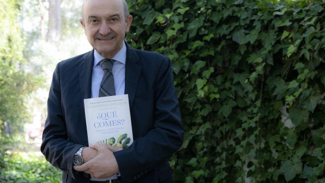 ¿Qué comes?, es el segundo libro del Dr. Miguel Ángel Martínez-González después de Salud a ciencia cierta.