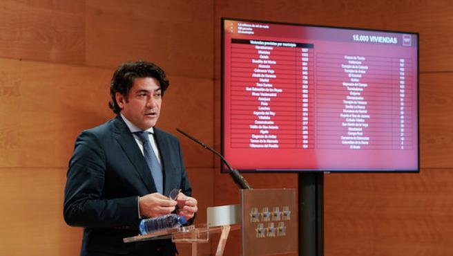 El consejero de Vivienda, David Pérez, este miércoles durante la presentación de los detalles del Plan Vive.