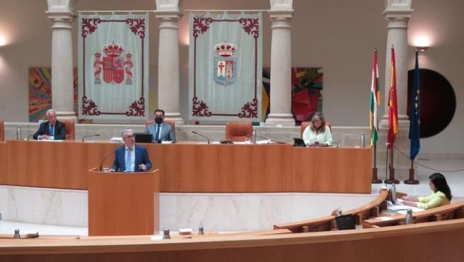 El portavoz del Grupo Parlamentario Popular, Jesús Ángel Garrido, en la segunda sesión del Debate sobre el Estado de la Región