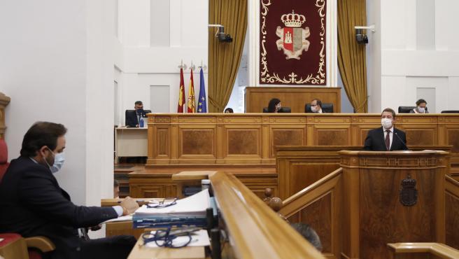 El presidente de Castilla-La Mancha, Emiliano García-Page, en la sesión de tarde del DER