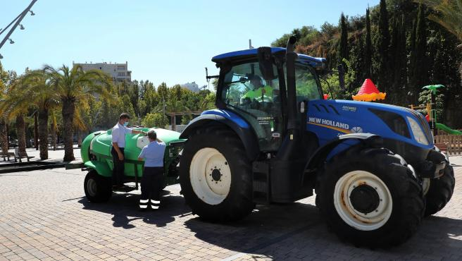 Marbella intensifica la desinfección en el municipio con la nueva puesta en marcha del vehículo atomizador en horario nocturno
