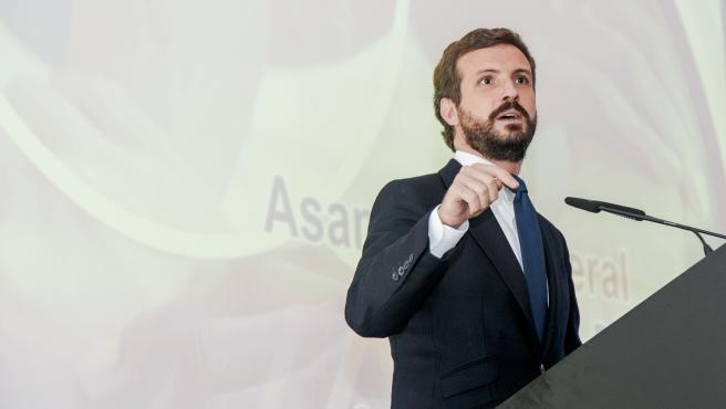 El presidente del PP, Pablo Casado, interviene en la Asamblea General de la Empresa Familiar de Castilla-La Mancha (AEFCLM), en Toledo, Castilla-La Mancha (España), a 8 de octubre de 2020.