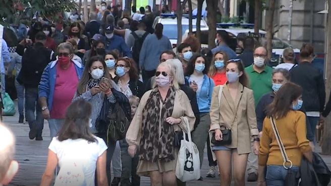 Calles del centro de Madrid, abarrotadas este sábado tras la entrada en vigor del estado de alarma.