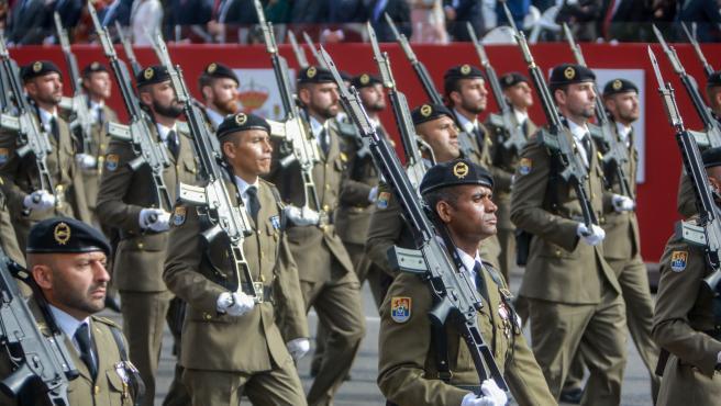 Militares durante el desfile del Día de la Fiesta Nacional en 2019.