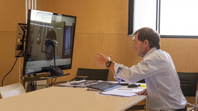 El rector de la universidad, Alberto Gómez Barahona, en entrevista con Europa Press