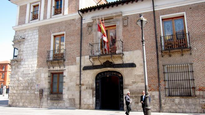 Palacio De Pimentel, Sede De La Diputación Provincial