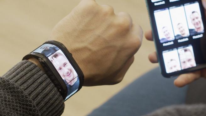 El Nubia Watch tiene una pantalla AMOLED flexible de 4,01 pulgadas.
