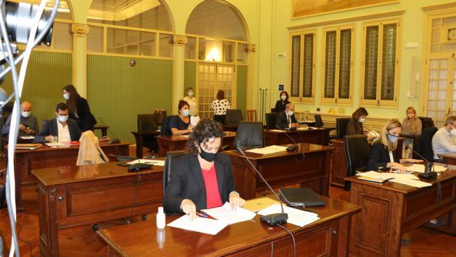 Sesión de la Comisión de Asuntos Institucionales y Generales en el Parlament.