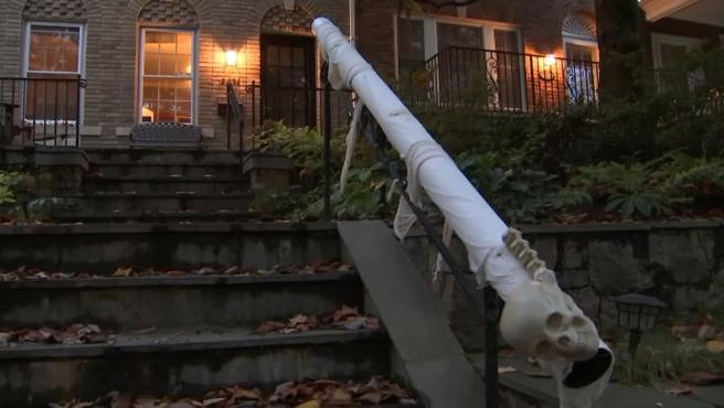 Este es el 'candy-chute', el invento para salvar Halloween.