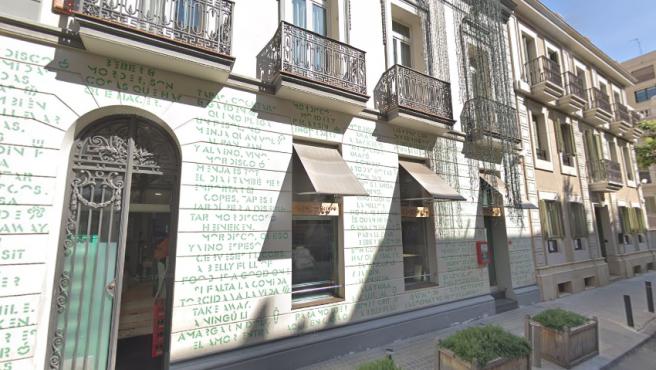 Fachada del restaurante 'El Mordisco', en Barcelona.