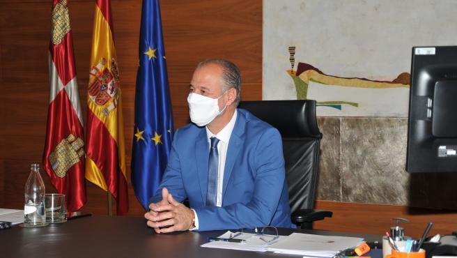 El presidente de las Cortes, Luis Fuentes, en una entrevista a Europa Press.