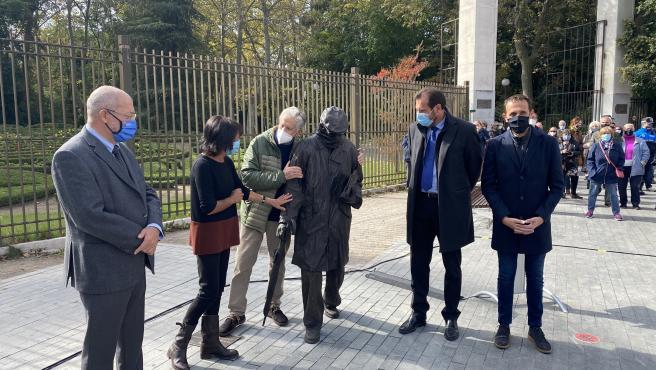 Inauguración de la estatua a Miguel Delibes a las puertas del Campo Grande de Valladolid.