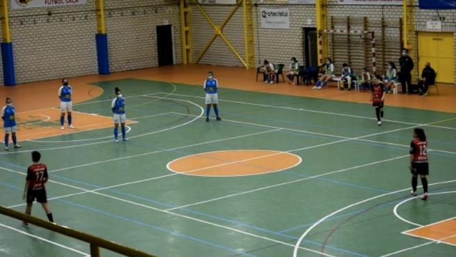 Plante del equipo femenino de fútbol sala del Unami.