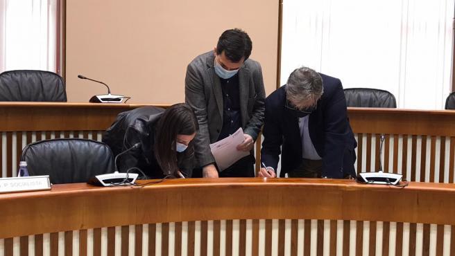 Negociación de las normas que regirán el funcionamiento de la comisión de reactivación económica, social y cultural de Galicia, por el coronavirus