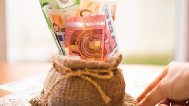 Tipos de comisiones que puede cobrar el banco: cómo ahorrar hasta 240 euros