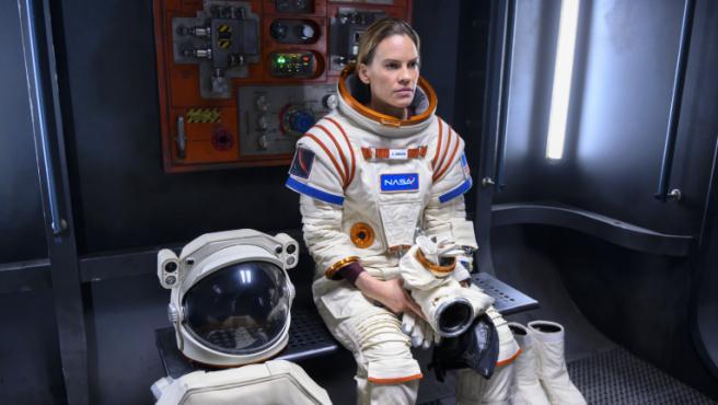 'Away': Netflix cancela la serie de Hilary Swank tras una única temporada