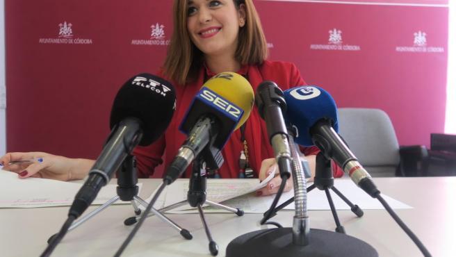 La concejala socialista Carmen Campos en el Ayuntamiento de Córdoba.