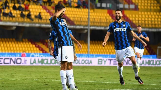 Achraf Hakimi celebra un gol con el equipo nerazurro.
