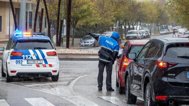 Un control policial en Burgos.