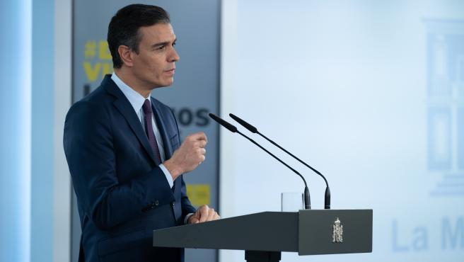 El presidente del Gobierno, Pedro Sánchez, durante su declaración institucional este viernes.