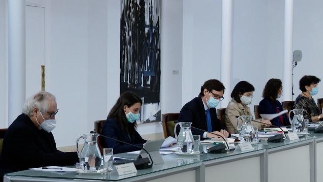 Sánchez preside la reunión extraordinaria del Consejo de Ministros