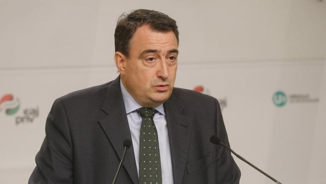El portavoz del PNV en el Congreso, Aitor Esteban, en comparecencia de prensa