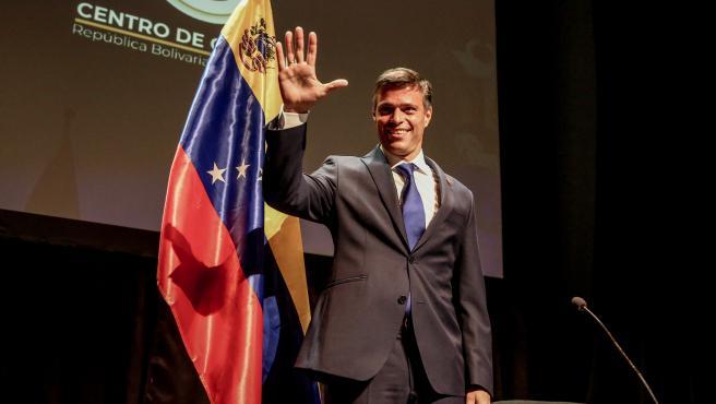 Leopoldo López pronuncia su primer mensaje tras la salida de Venezuela