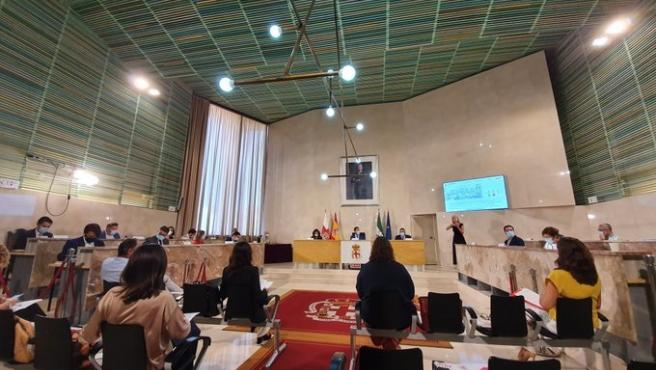 Salón de plenos del Ayuntamiento de Almería