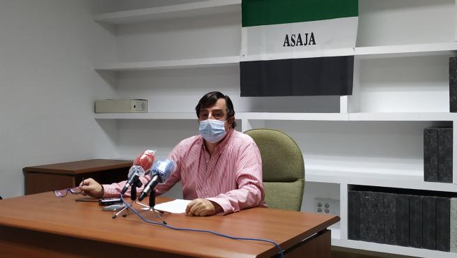 Ángel García Blanco, presidente de Asaja Extremadura en rueda de prensa