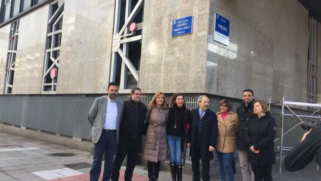 Anterior ejecutivo de Oviedo formado por PSOE, Somos e IU en la calle Federico García Lorca, antes Calvo Sotelo, y en la Plaza del Fresno, antes Plaza de la Gesta.