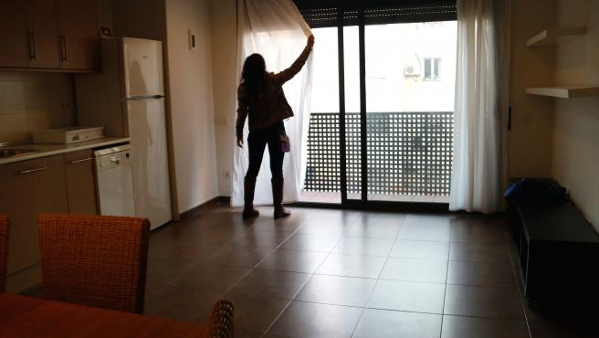 El comedor de uno de los apartamentos turísticos destinados a alquiler social, en el barrio del Poble-Sec.