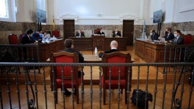 Vista por las medidas cautelares para pedir la paralización temporal del ERE en la fábrica de Alcoa en Cervo (Lugo)