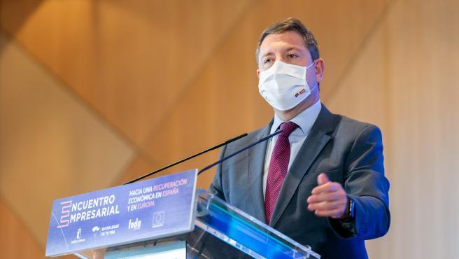 El presidente de Castilla-La Mancha, Emiliano García-Page, en su intervención durante la clausura de un acto empresarial en Albacete