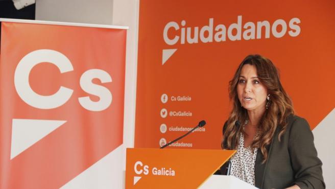 La coordinadora de Ciudadanos Galicia, Beatriz Pino, en rueda de prensa.
