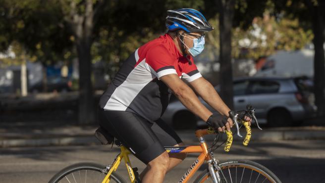 Imagen de archivo de un ciclista