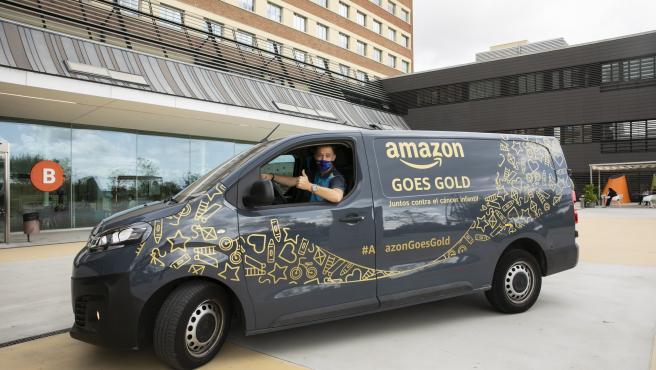 Imagen de una furgoneta de reparto de Amazon