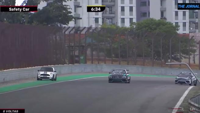 El Mini que interrumpió la carrera de la Copa Mercedes
