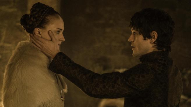 """""""Fue el peor día de mi carrera"""": Iwan Rheon ('Juego de tronos') habla sobre la violación de Ramsay a Sansa"""