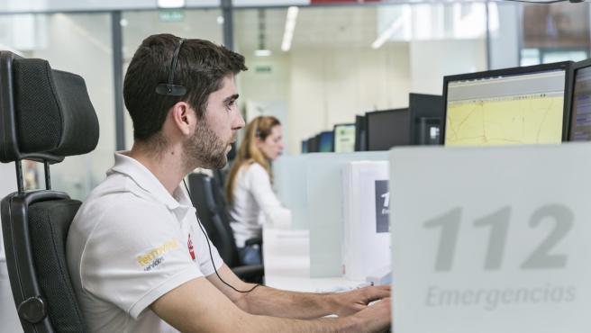 Teleoperadores del Servicio Emergencias 112 Andalucía en una imagen de archivo