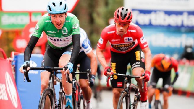 El irlandés Dan Martin gana en La Laguna Negra por delante de Primoz Roglic en la Vuelta a España de 2020