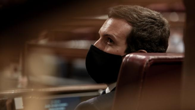 El líder del PP, Pablo Casado, durante una sesión plenaria en la que el Gobierno solicita al Congreso la prórroga del estado de alarma debido a la crisis sanitaria del Covid-19, en Madrid, (España), a 29 de octubre de 2020. Su propuesta incluye la compare