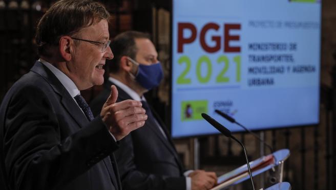 El president de la Generalitat, Ximo Puig (i), interviene en la presentación del proyecto de Presupuestos Generales del Estado 2021