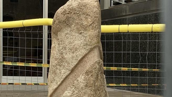 La nueva escultura en la plaza Sant Miquel.