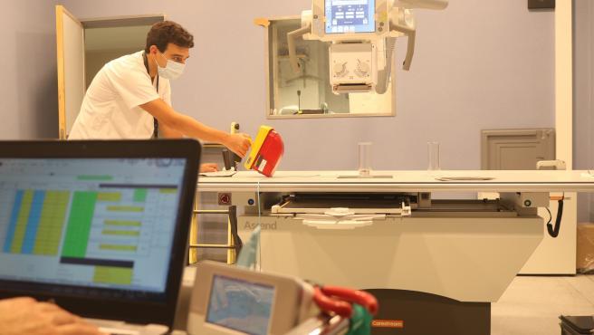 Imagen de recurso de un equipo diagnóstico multifunción